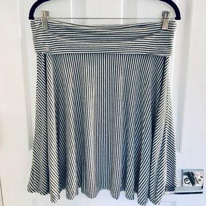 Max Studio Jersey Gray/White Striped Skirt M